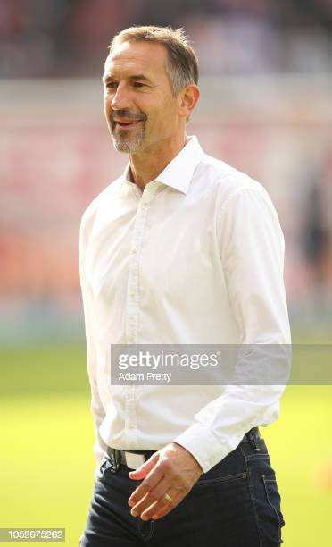 Achim Beierlorzer head coach of Jahn Regensburg before the Second Bundesliga match between SSV Jahn Regensburg and SV Darmstadt 98 at Continental...