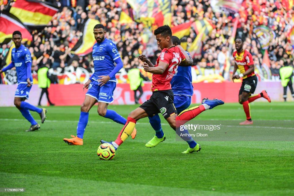 RC Lens v AJ Auxerre - Ligue 2 : News Photo