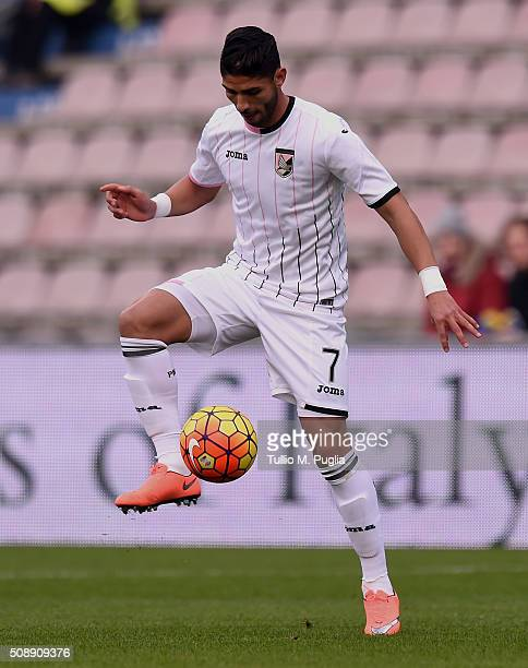Achraf Lazaar of Palermo in action during the Serie A match between US Sassuolo Calcio and US Citta di Palermo at Mapei Stadium Città del Tricolore...