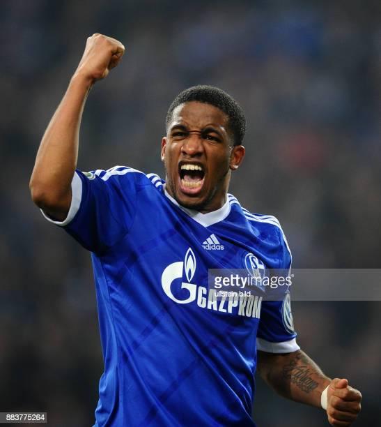 Achtelfinale Saison 2012/2013 FUSSBALL DFB FC Schalke 04 FSV Mainz 05 Jefferson Farfan jubelt nach dem 11
