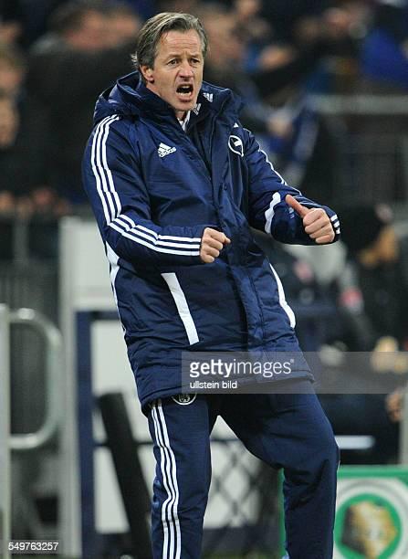 Achtelfinale Saison 2012/2013 Fussball Saison 20122013 DFBPokal Achtelfinale FC Schalke 04 FSV Mainz 05 12 Trainer Jens Keller jubelt nach dem 11...