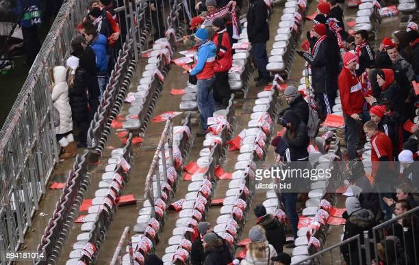 AchtelfinalRückspiel Saison 2012/2013 FUSSBALL CHAMPIONS FC Bayern Muenchen FC Arsenal London Leere Reihen in der Suedkurve in der Allianz Arena Fans...