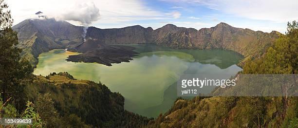 Acid lake of Rinjani volcano