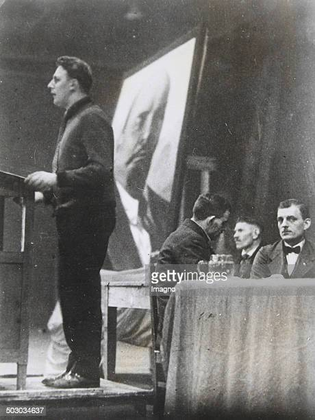 Acommunist leader is delivering a speech in Bochum during the mass strikes in the Ruhr Bochum North RhineWestphalia 6th January 1931 Photograph
