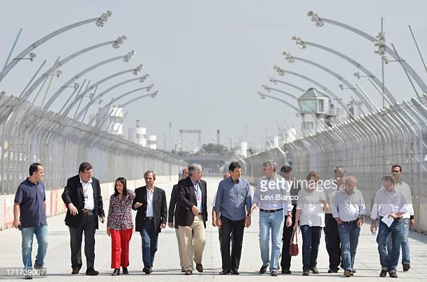 INDY Acompanhado de organizadores da prova no Brasil o prefeito da cidade de São Paulo Fernando Haddad realizou uma visita de inspeção às obras do...