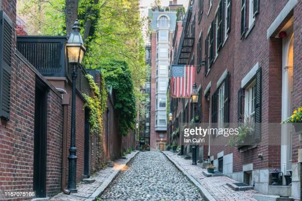 acorn street, boston, massachusetts, united states (day) - acorn street boston stock pictures, royalty-free photos & images
