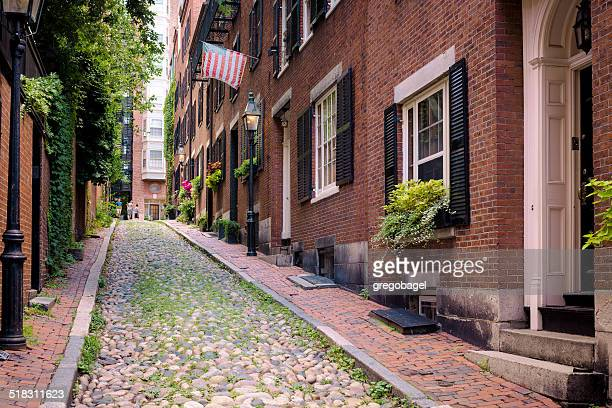 acorn street of beacon hill neighborhood in boston, ma - acorn street boston stock pictures, royalty-free photos & images