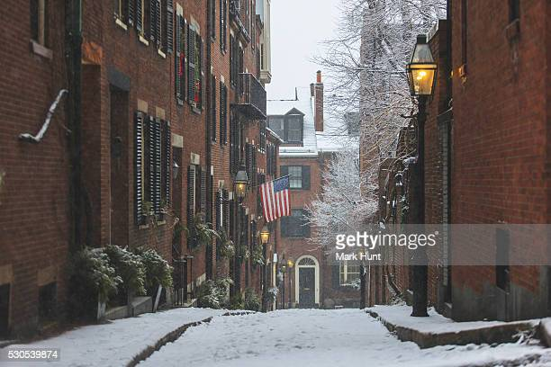 acorn street view after blizzard in boston, suffolk county, massachusetts, usa - acorn street boston stock pictures, royalty-free photos & images