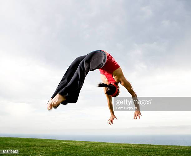 acrobats and contortionists - acrobatic activity stock pictures, royalty-free photos & images