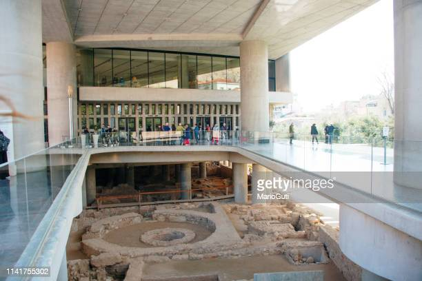 acropolis museum entrance - visita imagens e fotografias de stock