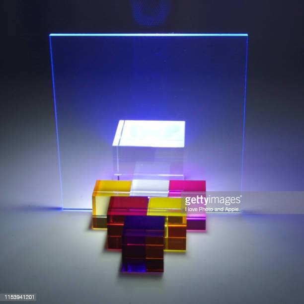 acrylic and led objects - quadratisch komposition stock-fotos und bilder