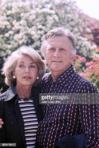 L'acteur américain Kirk Douglas en compagnie de sa femme Anne dans les années 70 France Circa 1970