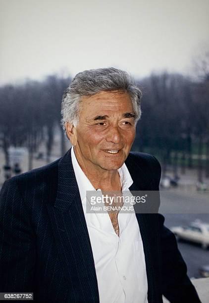 L'acteur américain lors de sa remise de la médaille de l'Ordre des Arts et des Lettres le 29 février 1996 à Paris France