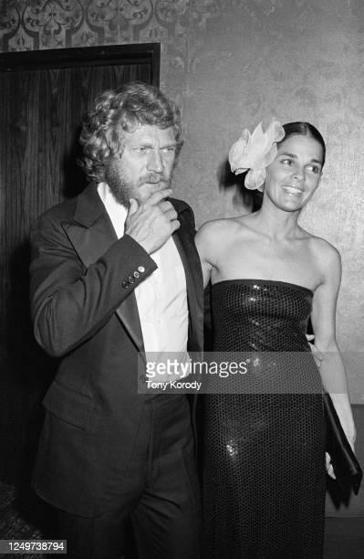 Acteur américain Steve McQueen avec sa femme l'actrice Ali MacGraw assistent à la soirée en hommage à James Cagney.