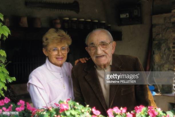 L'acteur Charles Vanel et son épouse Arlette le 14 mai 1985 à Cannes France