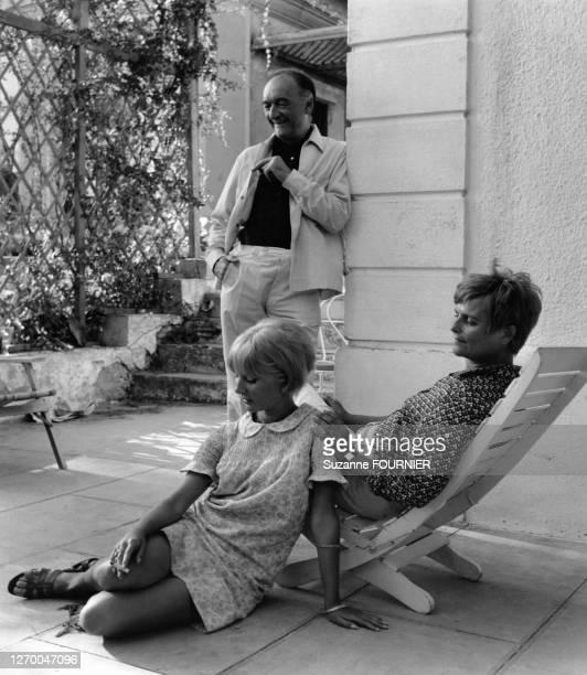 Acteur français Jean Vilar avec son épouse, Andrée, et sa fille Dominique, à Sète, dans l'Hérault, en France, en 1965.