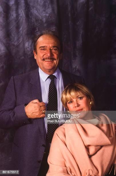 L'acteur JeanMarc Thibault et son épouse Sophie Agacinsky en décembre 1991 à Paris France