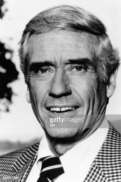 L'acteur Mel Ferrer dans le rôle de Phillip Erikson de la série TV 'Falcon Crest' réalisée par Earl Hamner entre 1981 et 1984 à Los Angeles aux...