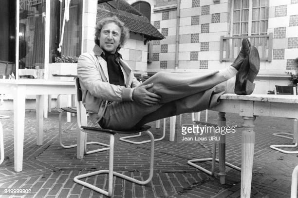 L'acteur réalisateur et scénariste américain Gene Wilder sur la terrasse de l'hôtel Normandy à Deauville France lors de sa venue au festival en...