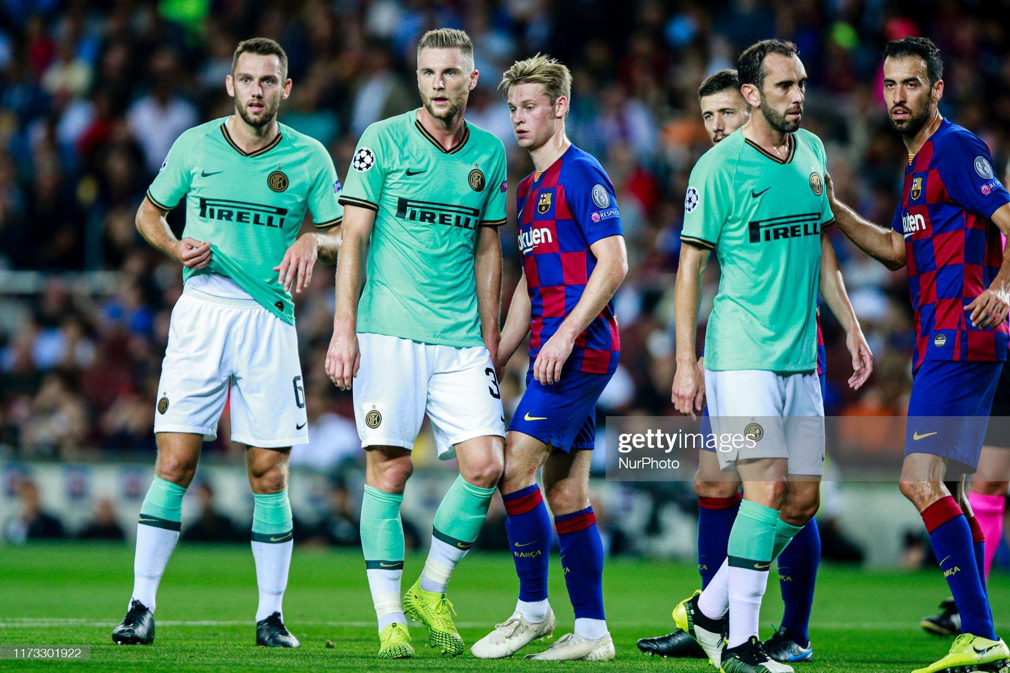صور مباراة : برشلونة - إنتر 2-1 ( 02-10-2019 )  Action-during-the-uefa-champions-league-group-match-between-fc-and-picture-id1173301922?s=2048x2048