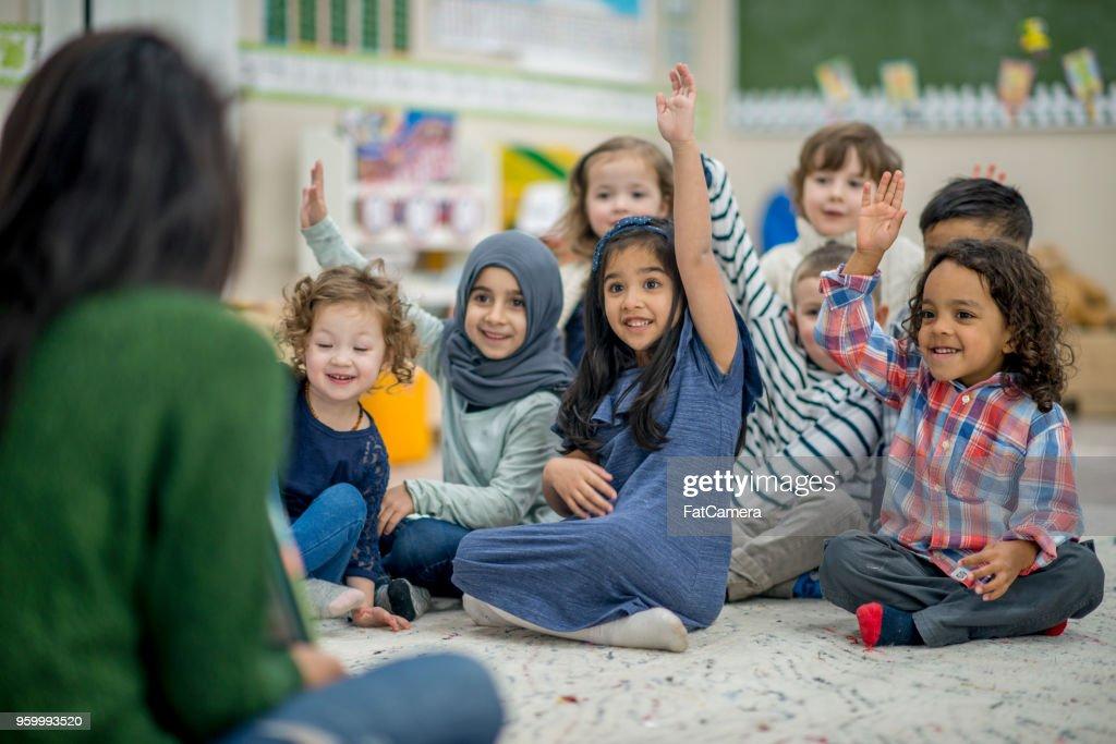 Aktive Grundschüler : Stock-Foto