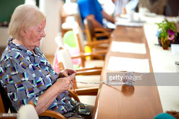 Aktive Senioren in eine Senioren-Kita
