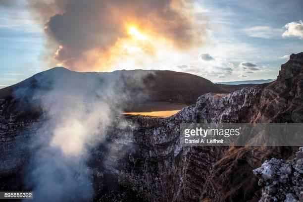 active volcano - nicaragua fotografías e imágenes de stock