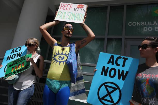 FL: Miami Activists Call On Brazilian President Bolsonaro Top Stop Amazon Fires