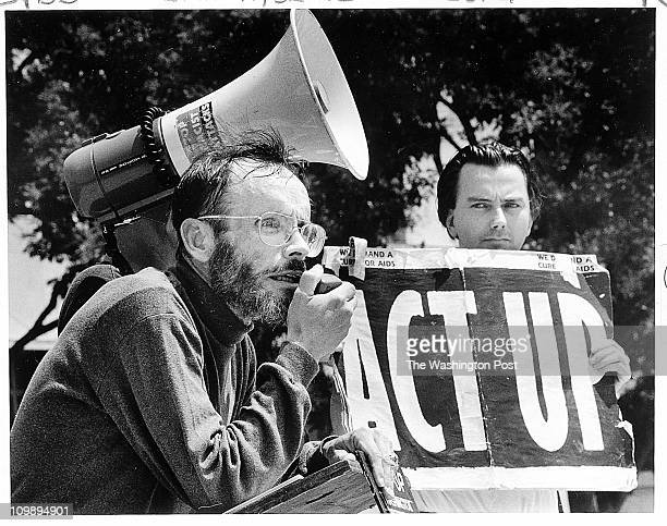 Activist Hank Carde, left speaks during an 1995 rally outside U.S. District Court in Washington. - Photo By Joel Richardson TWP