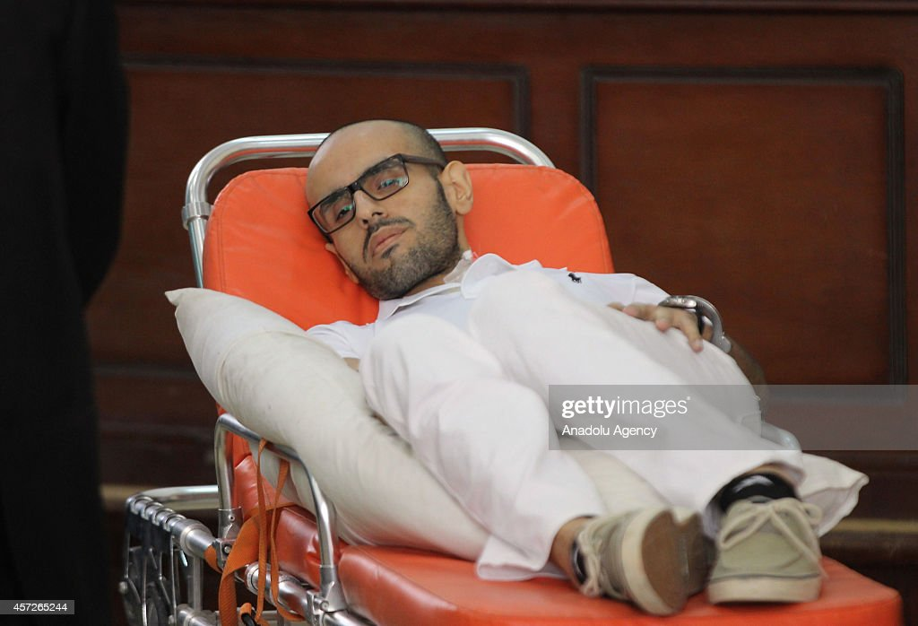 Hunger-striking activist Mohamed Soltan faces Egyptian court : Nieuwsfoto's