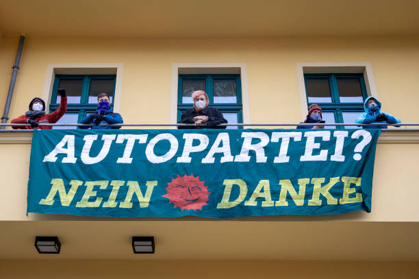 DEU: Activists Occupy Greens Party Headquarters Over A49 Deforestation