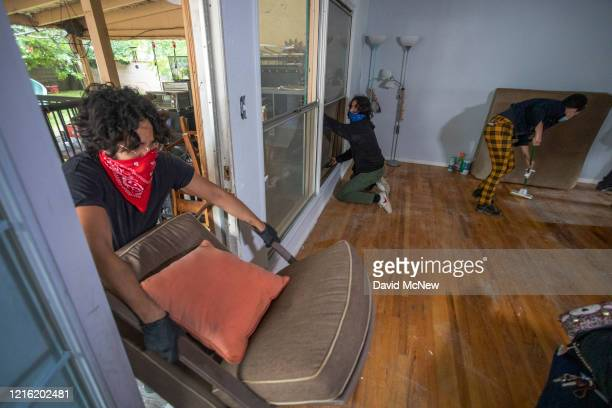Activists break into the house of Kaotar Dee, to get her and her possessions back into her home of 21 years and for her to make a barricaded stand...