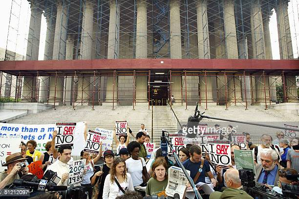 Activists demonstrate for their right to hold a Central Park rally in front of New York State Supreme Court August 24 2004 in New York City Members...