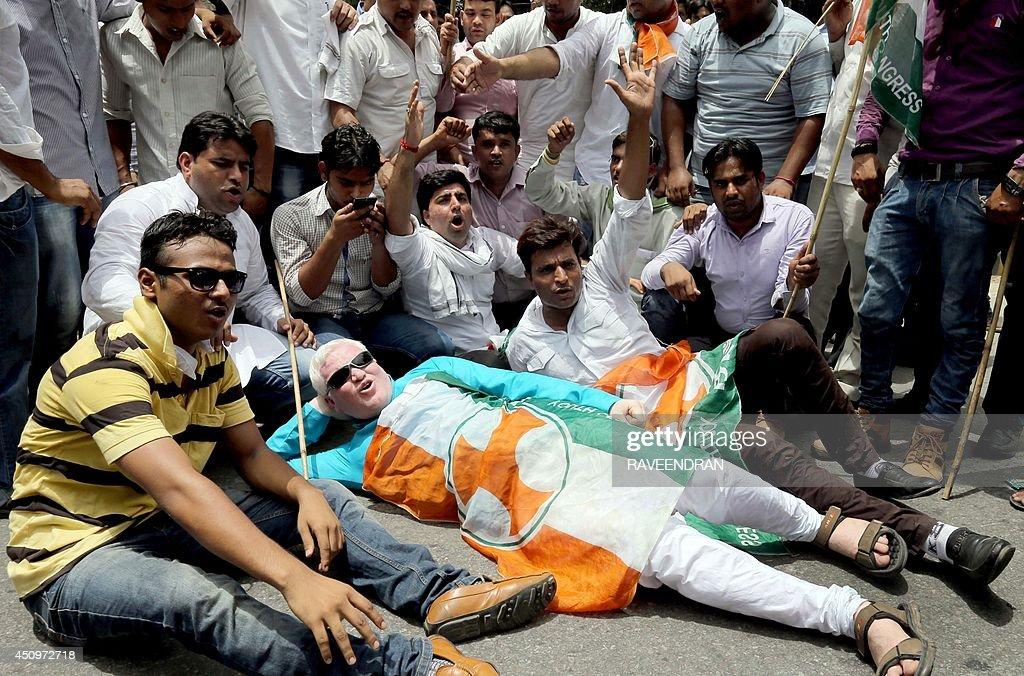 INDIA-POLITICS-TRANSPORT-RAIL : News Photo