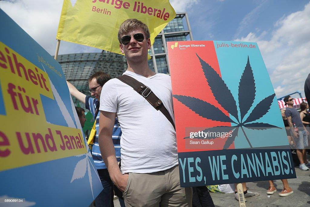 Berlin Hemp Parade 2016 : News Photo