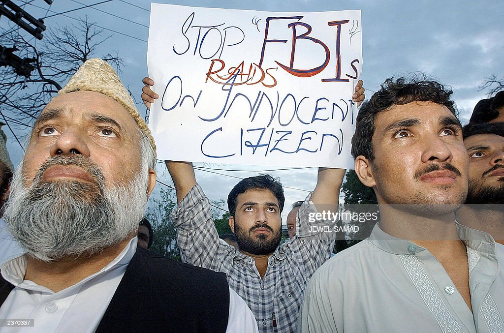 Activists of Pakistan's Islamic fundamen : News Photo