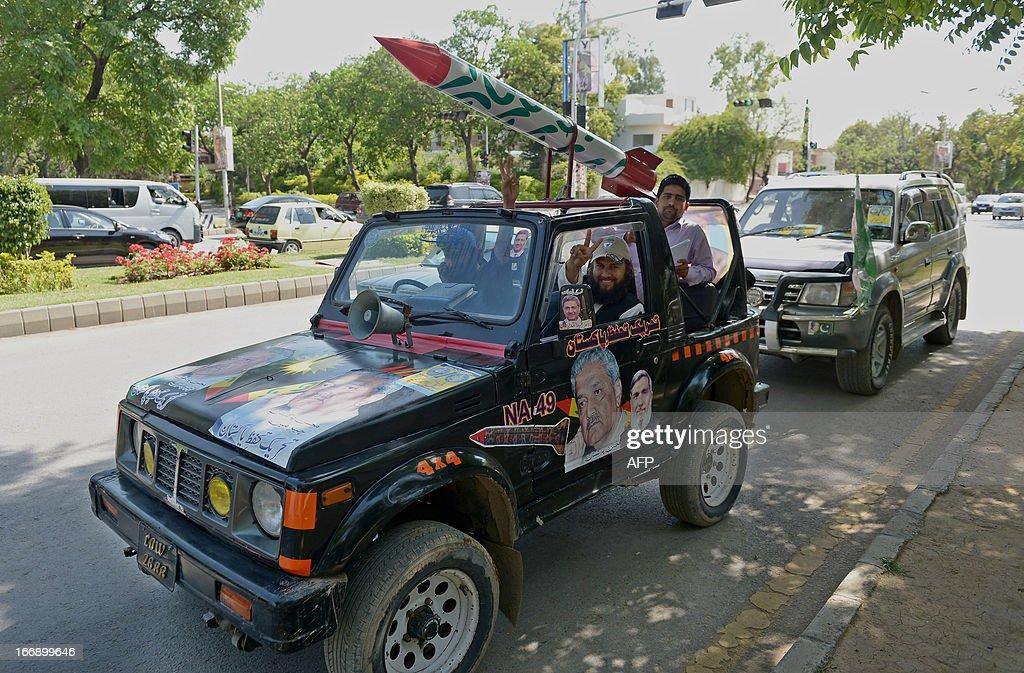 PAKISTAN-POLITICS-VOTE : News Photo