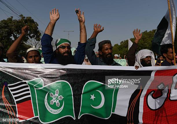 Activists of the Ahle Sunnat Wal Jamaat group protest against US missile strikes in Pakistan in Karachi on June 19 2016 The US has carried out...
