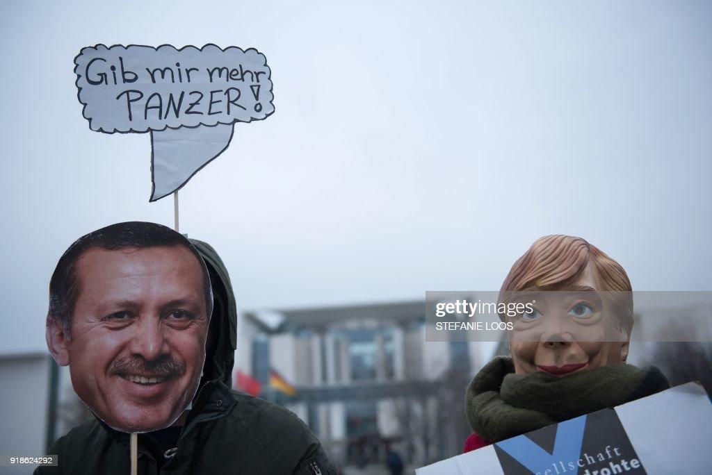 GERMANY-TURKEY-DIPLOMACY-DEMO : Nachrichtenfoto