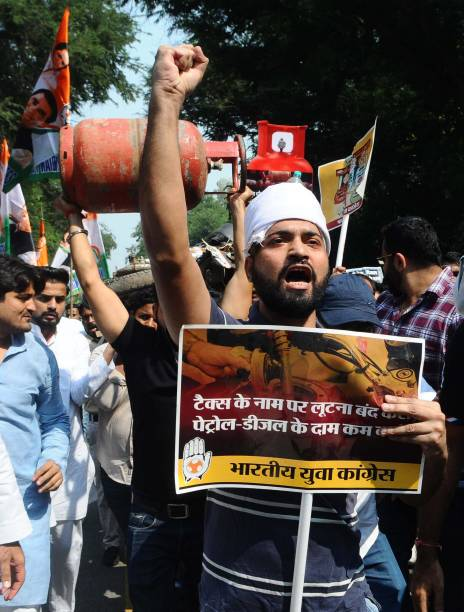 IND: Youth Congress Members Protest Against Hike In Fuel Prices