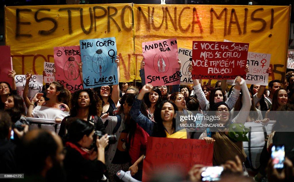 BRAZIL-VIOLENCE-GANG RAPE-PROTEST : News Photo