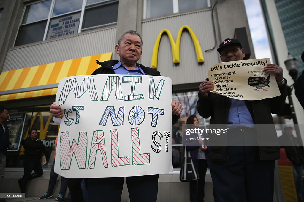 Minimum Wage Workers Demonstrate For Better Living Wage : News Photo