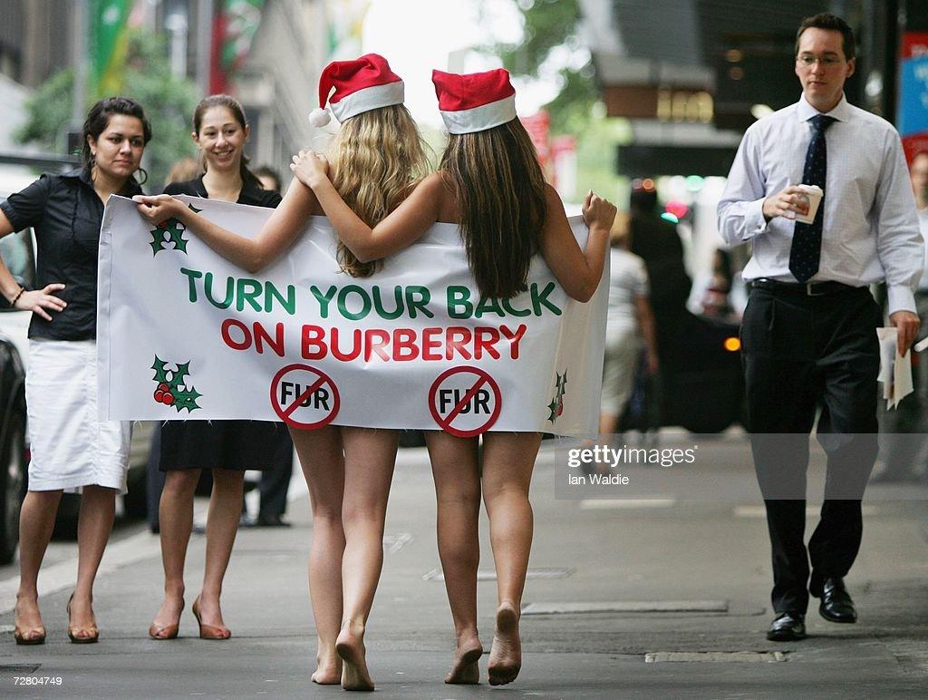 PETA Stage Nude Protest Over Fur Sales : ニュース写真