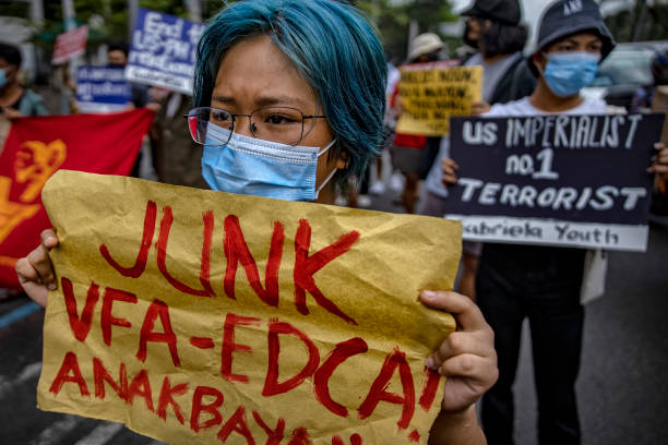 PHL: Activists Protest At US Embassy