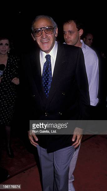 Actor Abe Vigoda attends the premiere of 'Look Who's Talking' on October 12 1989 at the Academy Theater in Los Angeles California