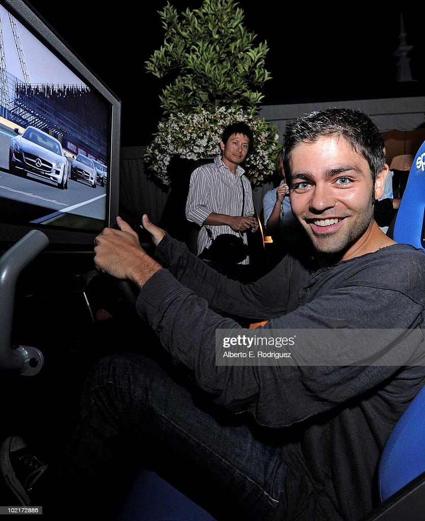Mercedes-Benz Celebrates PlayStation 3 Gran Turismo 5 Featuring The SLS AMG : Foto jornalística