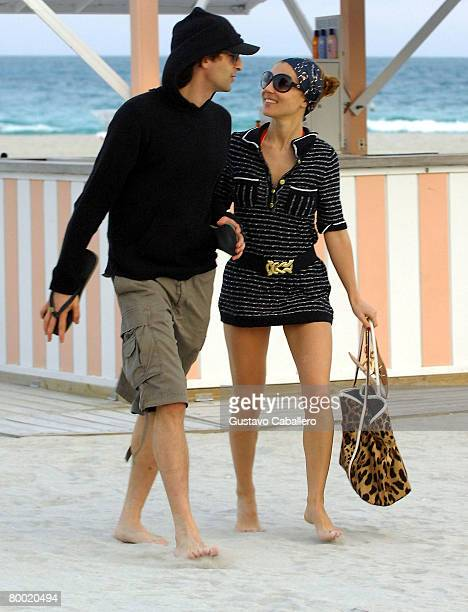 Actor Adrien Brody and his girlfriend Elsa Pataky walk in South Beach at sunset February 26 2008 in Miami Beach Florida