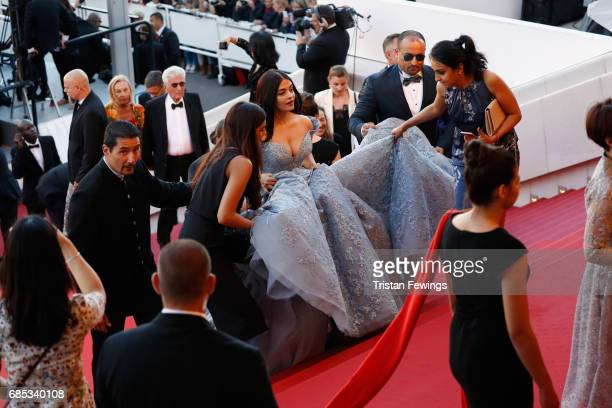 Actor Aishwarya Rai fashion detail attends the 'Okja' premiere during the 70th annual Cannes Film Festival at Palais des Festivals on May 19 2017 in...