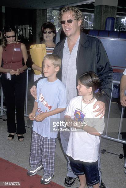 Actor Al Corley and his kids attend the 'Thomas and the Magic Railroad' Century City Premiere on July 22 2000 at Loews Cineplex Century Plaza...