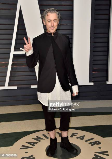 Actor Alan Cumming attends the 2017 Vanity Fair Oscar Party hosted by Graydon Carter at Wallis Annenberg Center for the Performing Arts on February...